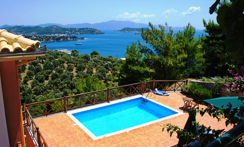 Executive two br villa,private pool,sea views. - Sporades - Villa