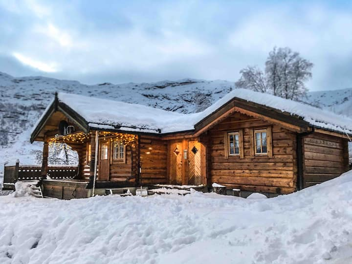 Cosy log cabin in Røldal