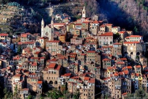 Orta Çağ'a seyahat edin - 5 kattan fazla konfor!