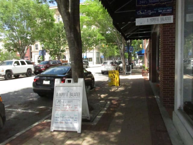 Take a stroll down the streets of New Bern