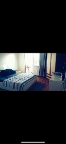 Spacious Room in Beşiktaş