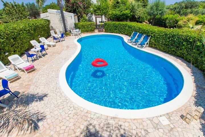 Villetta Sofora con piscina Oasi Torre Guaceto