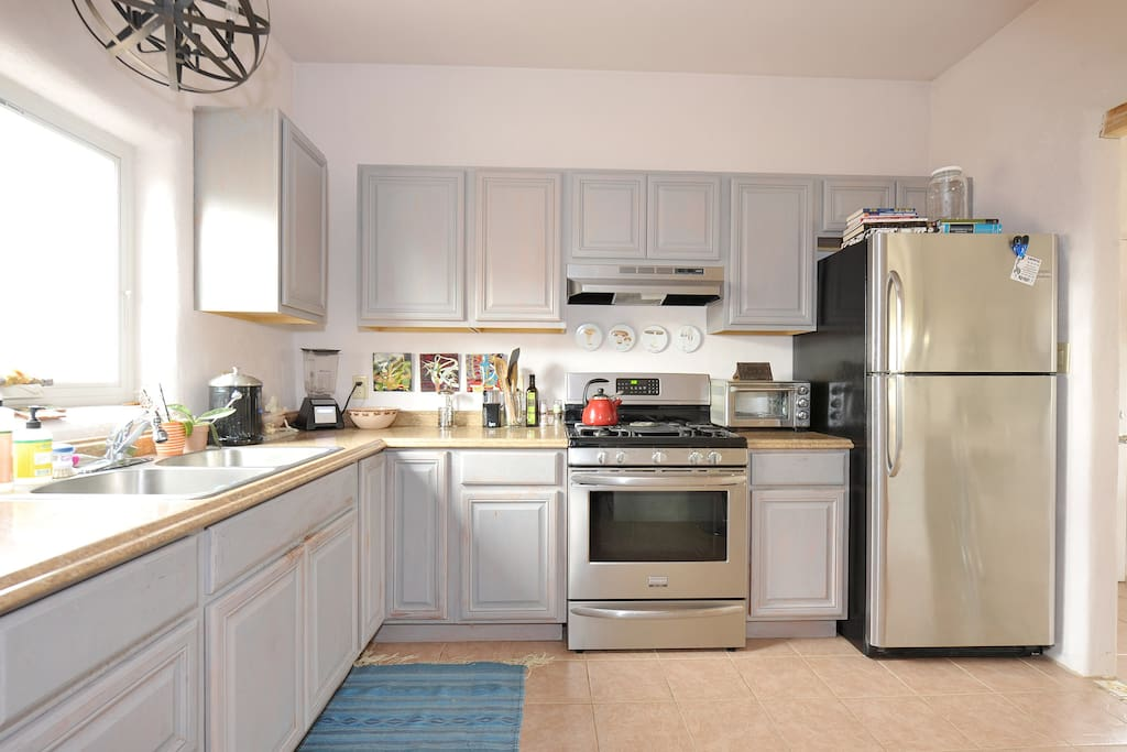 Nice big kitchen with all new appliances.