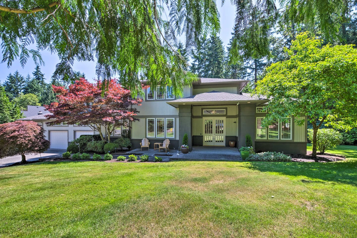 Discover the splendors of Woodinville from this 4-bedroom, 3.5-bath home!