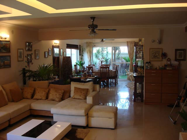 Luxury 2 Bed/3 Bath townhouse, w kitchen & garden - Bengaluru - Townhouse