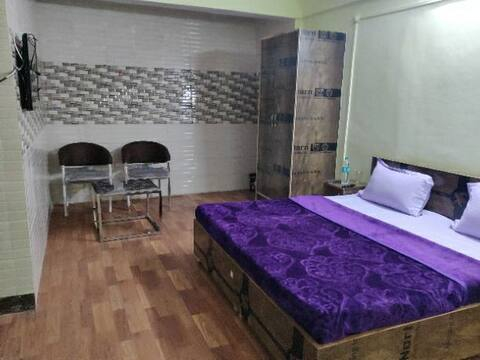 Aamantran 1 BHK Dlx Room