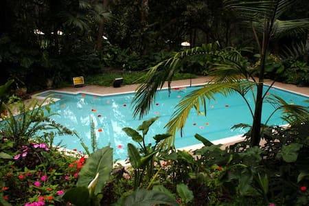 Charming home & luscious gardens - San Antonio del Tequendama