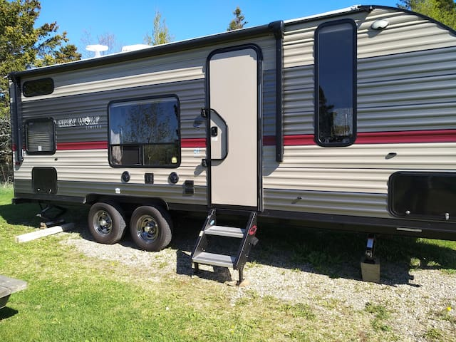 trailer with three double beds
