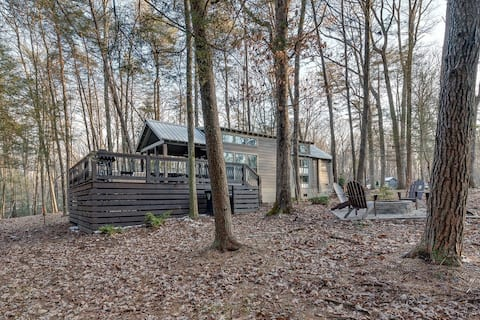 Peace By the Creek-The Retreat at Deer Lick Falls
