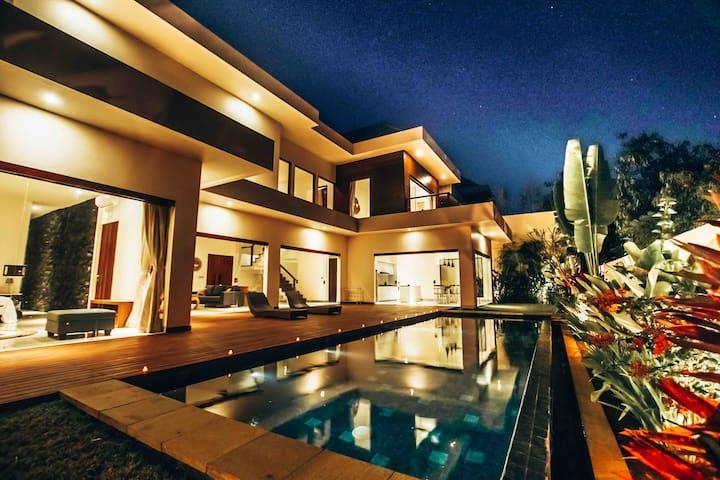 Palms hill residence — VILLA Tenga —Luxury 3 Bdr