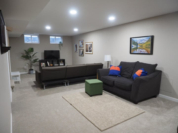 Private Basement in a Great Centralized Location