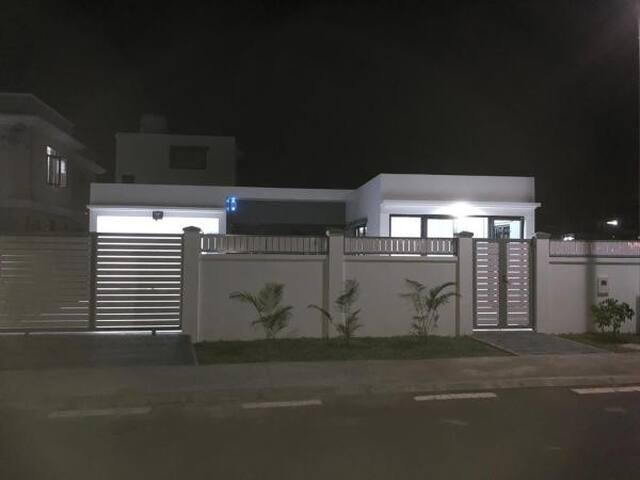 Oojeeraully private villa