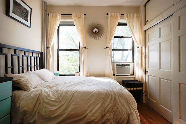Bright New 1bd Central Park Slope