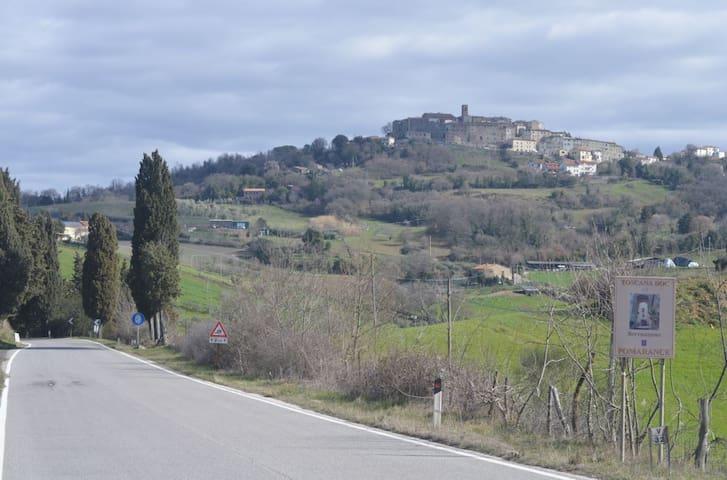 Serrazzano Colline Toscane 550 msl