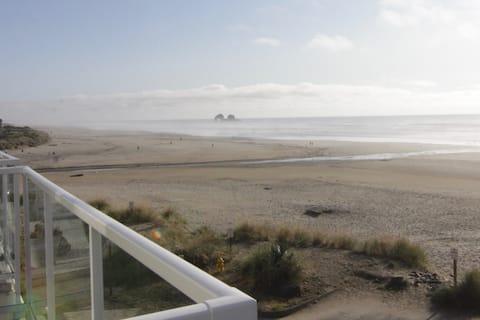 New! Rockaway Beach Ocean View & Twin Rocks!
