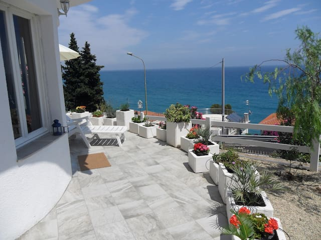 Breathtaking sea view / Vista mare - Marina di Andora - Hus