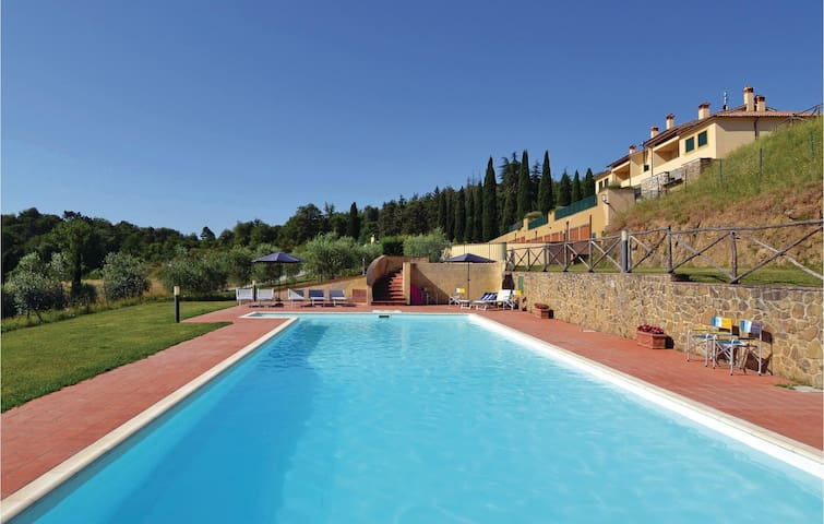 Holiday apartment with 3 bedrooms on 100m² in Bucine AR