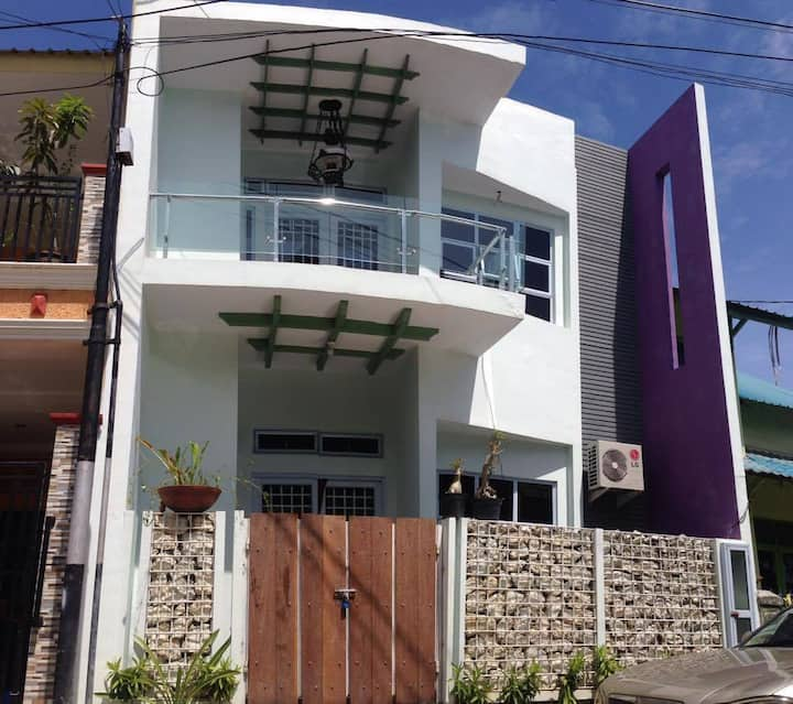 Sakura House B