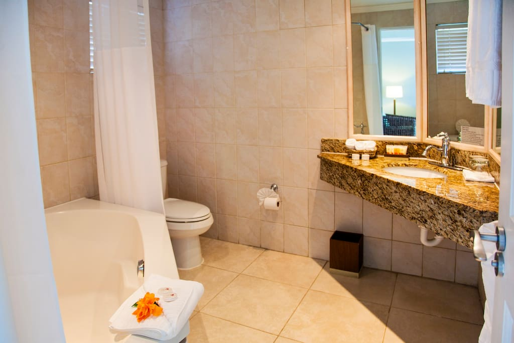 Full bath with roman tub & shower combo