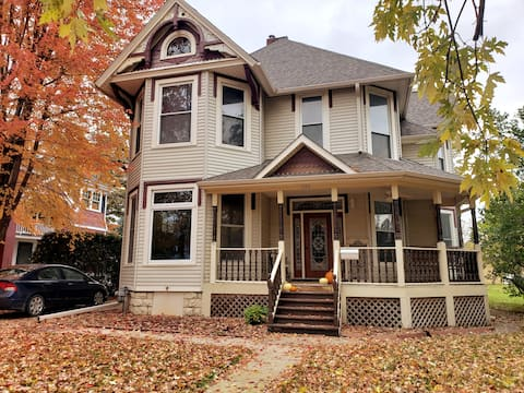 Beautiful Victorian Home - Conveniently Located
