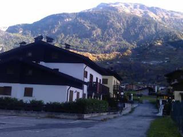Appartamento alpino White Gardenia,15min da Bormio