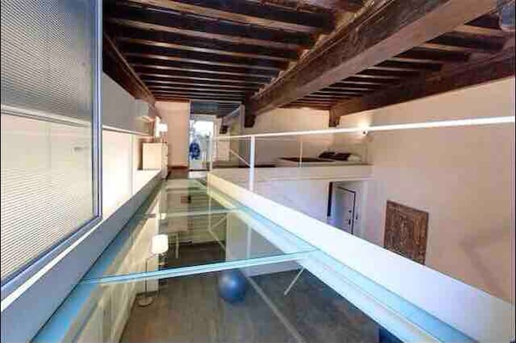 Love The Loft Spectacular Glass Bridge