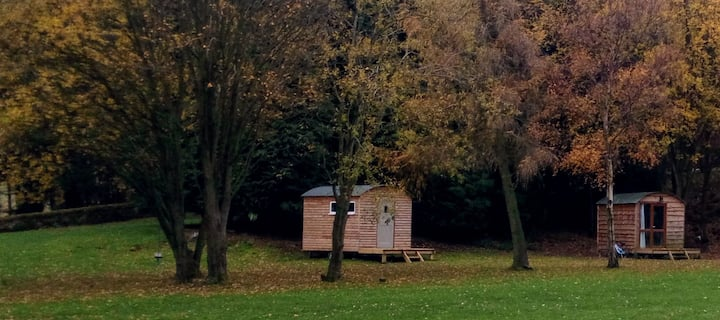 Lop Farm , 4 x Shepherd huts to rent Hut 1