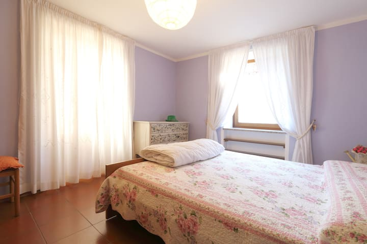 TWO PEOPLE  in old center of Mezzano - Mezzano - Apartament
