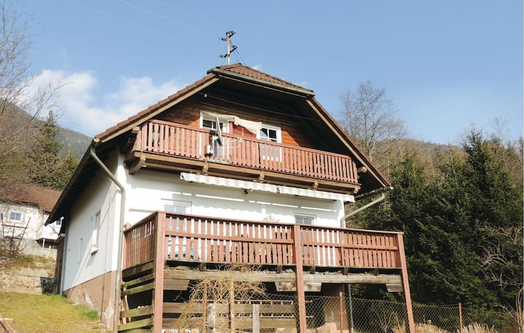 Holiday cottage with 2 bedrooms on 80 m² in Weissenstein