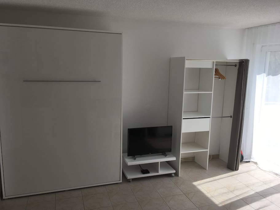 komp 1 zimmer apart n he audi lidl kaufland condos zur miete in neckarsulm bw deutschland. Black Bedroom Furniture Sets. Home Design Ideas