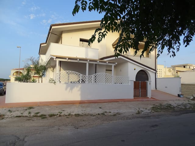 Linda Casa Vacanze (Appartamento Blu)
