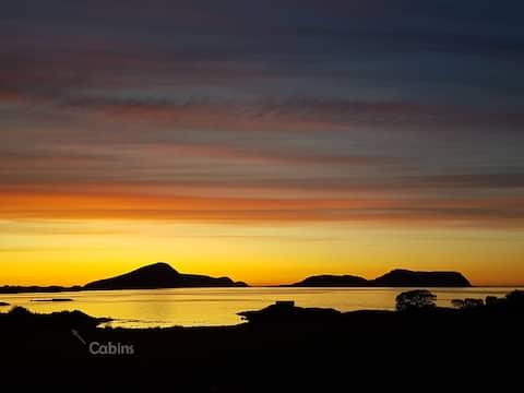 3-Enjoy spectacular sunsets towards Northislands!