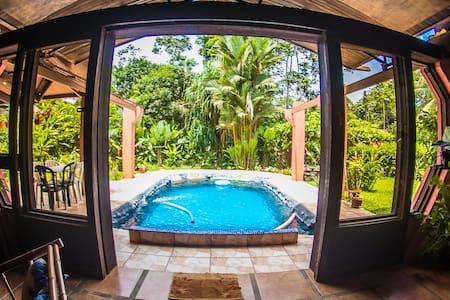 Villa Doña Nata 10 min La Fortuna  Pool /Jacuzzi