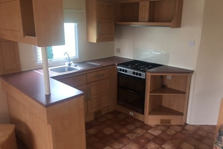 New spacious 6 bed caravan - Ingoldmells - Бунгало