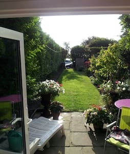 Private room/Whole House/Liverpool - Waterloo - Дом
