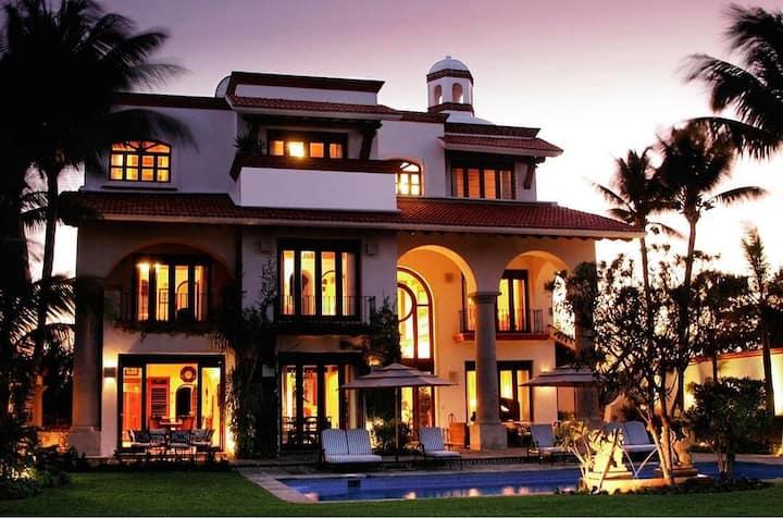 Casa del Sol  Luxury Villa  by The Sea