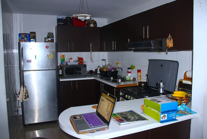 kitchen area with breakfast table