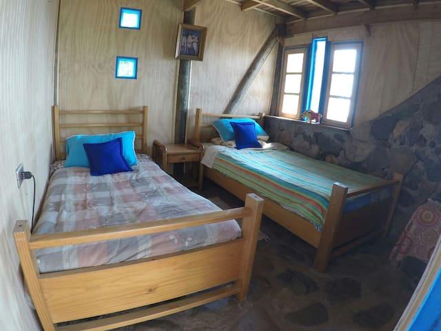 Confy BD two single beds + bathroom - Pichidangui