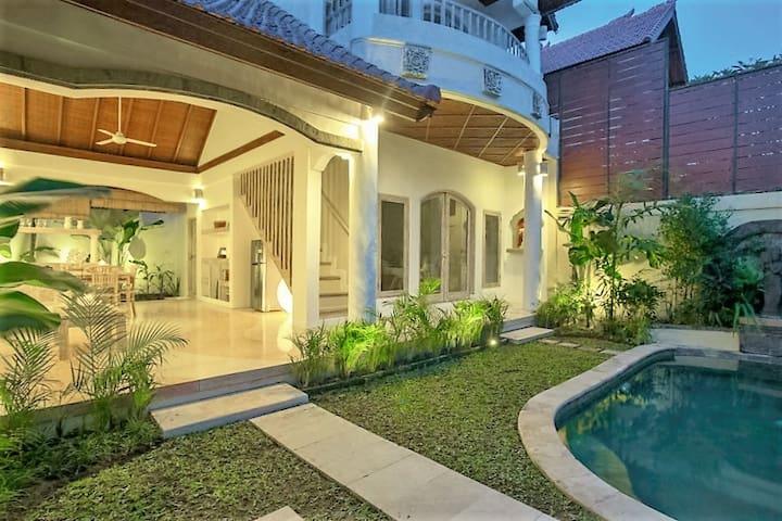 LUXURY 2bdr Bali Family VILLA in SEMINYAK - Kuta - Villa