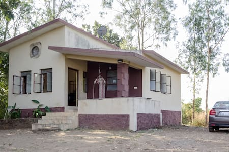 Hill top Villa - Pune - Ev