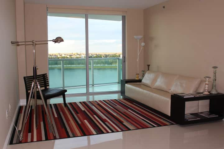 Breathtaking Views from Luxury Highrise!
