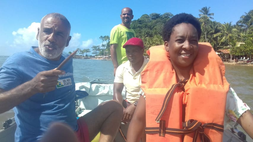 Your fazenda host Osvaldo loves to guide you through the area. Here on a boat tour in Itacaré.