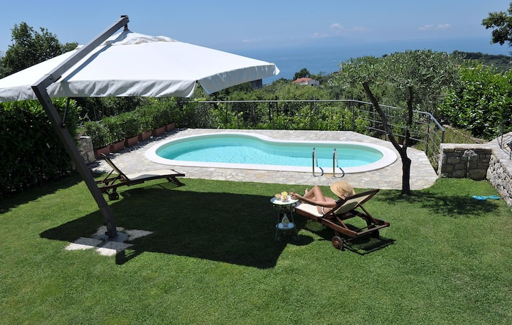 AMORE RENTALS - Casa Nando with private Pool, Garden, Terrace and Sea View