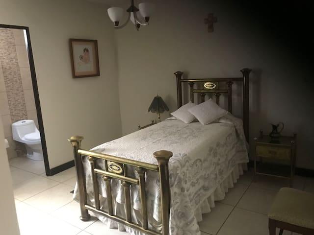Linda habitación para tu estancia!