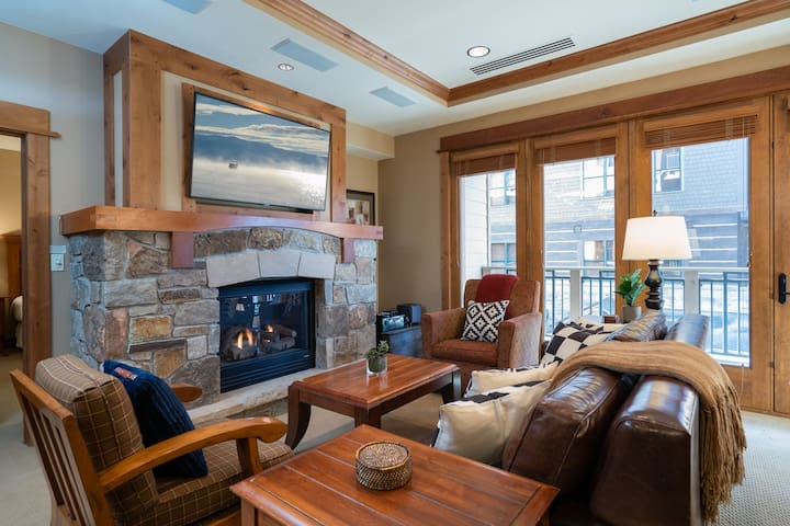 New Listing! Luxury 1 BD Residence in the Heart of the Village at Northstar!