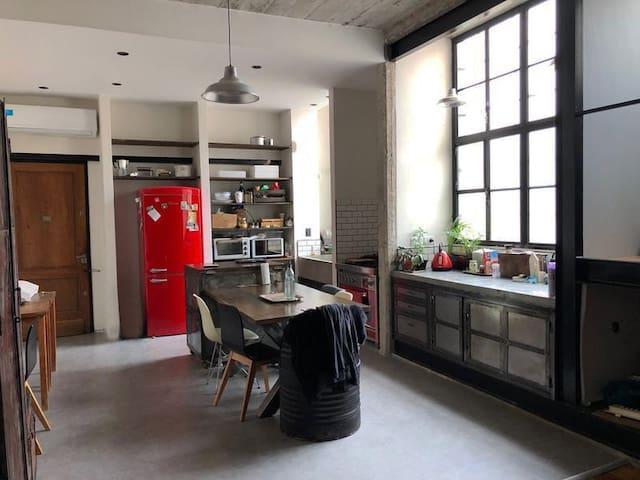 Luminoso apartamento tipo casa en Belgrano