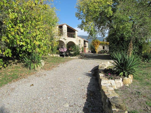 L'Aulet - 300 yr. old Spanish Masia - Besalú - บ้าน