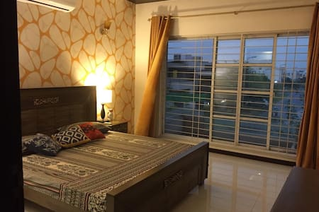 Convenient room near LUMS -2 min drive