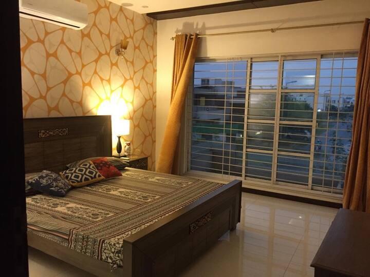 Convenient room near LUMS -2 min drive