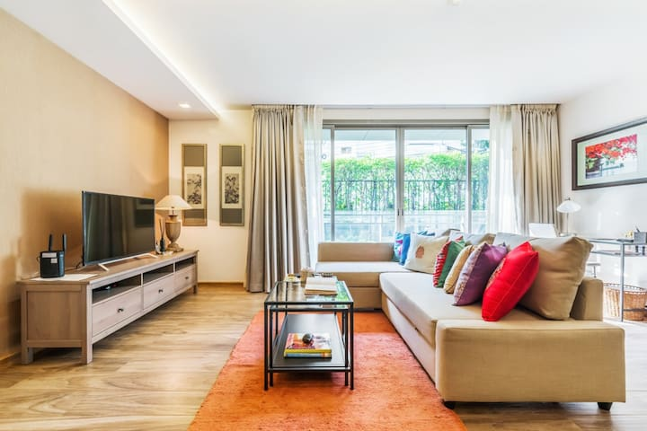 Charming home BTS Phrom Phong in Central Sukhumvit